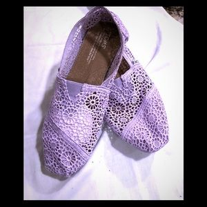 Tom's Lace Lavender Flats sz. W8 sheer except toes